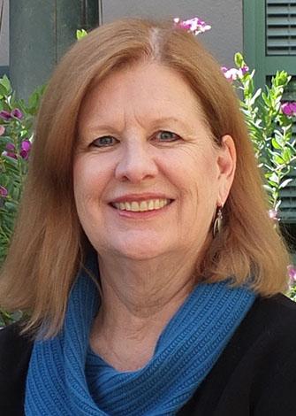 a headshot of Eileen Kunz