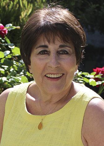 a headshot of Linda Trowbridge